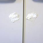 家具に残ってしまったシールの粘着糊(粘着剤)を剥がす方法