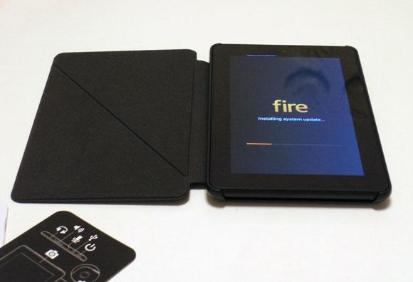 Amazon Fireタブレット8GBブラックに充電