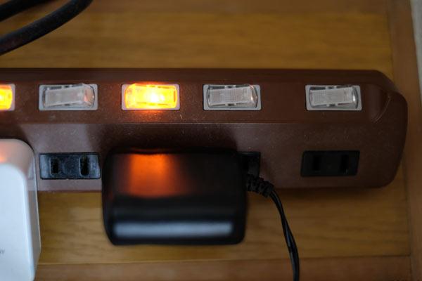 ACアダプターが大きくて電源タップで有効に使えない問題