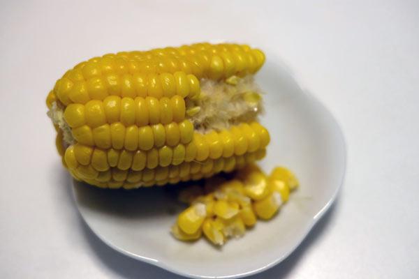 トウモロコシの綺麗な食べ方と実の剥き方