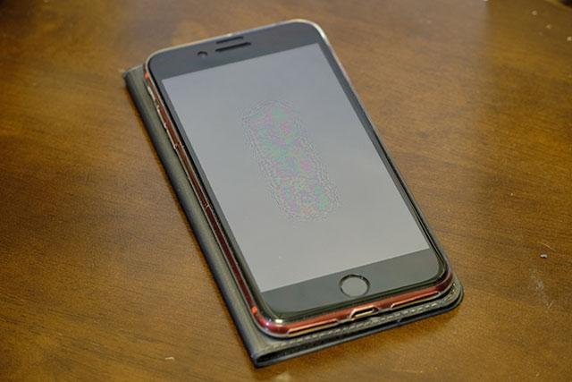 見開き手帳タイプのiPhoneカバー