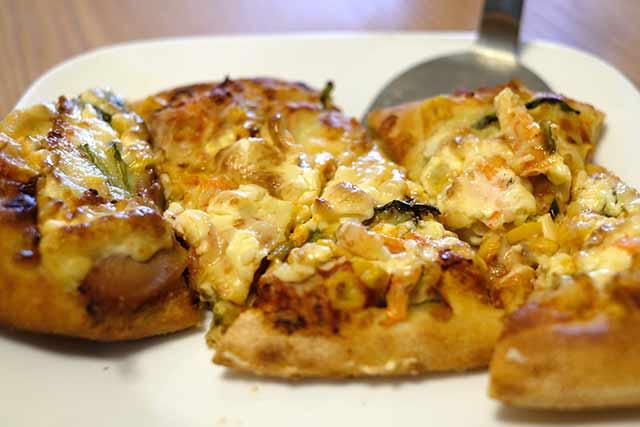 余ったピザを美味しく温め直す方法